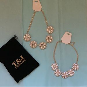 New Two Flower Necklaces with jewelry bag